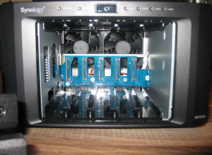 Synology DS1513+ Inside View